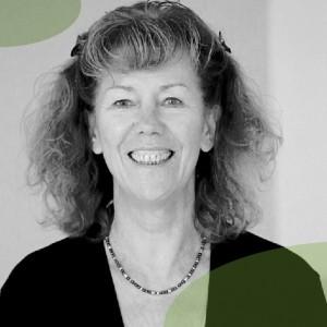 Petra Haeussler ausgebildete Sport- und Gymnastiklehrerin, Rückenschullehrerin, Pilatespädagogin und Fachleiterin für Autogenes Training